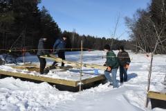 Den 17 mars var det dags att montera bron.