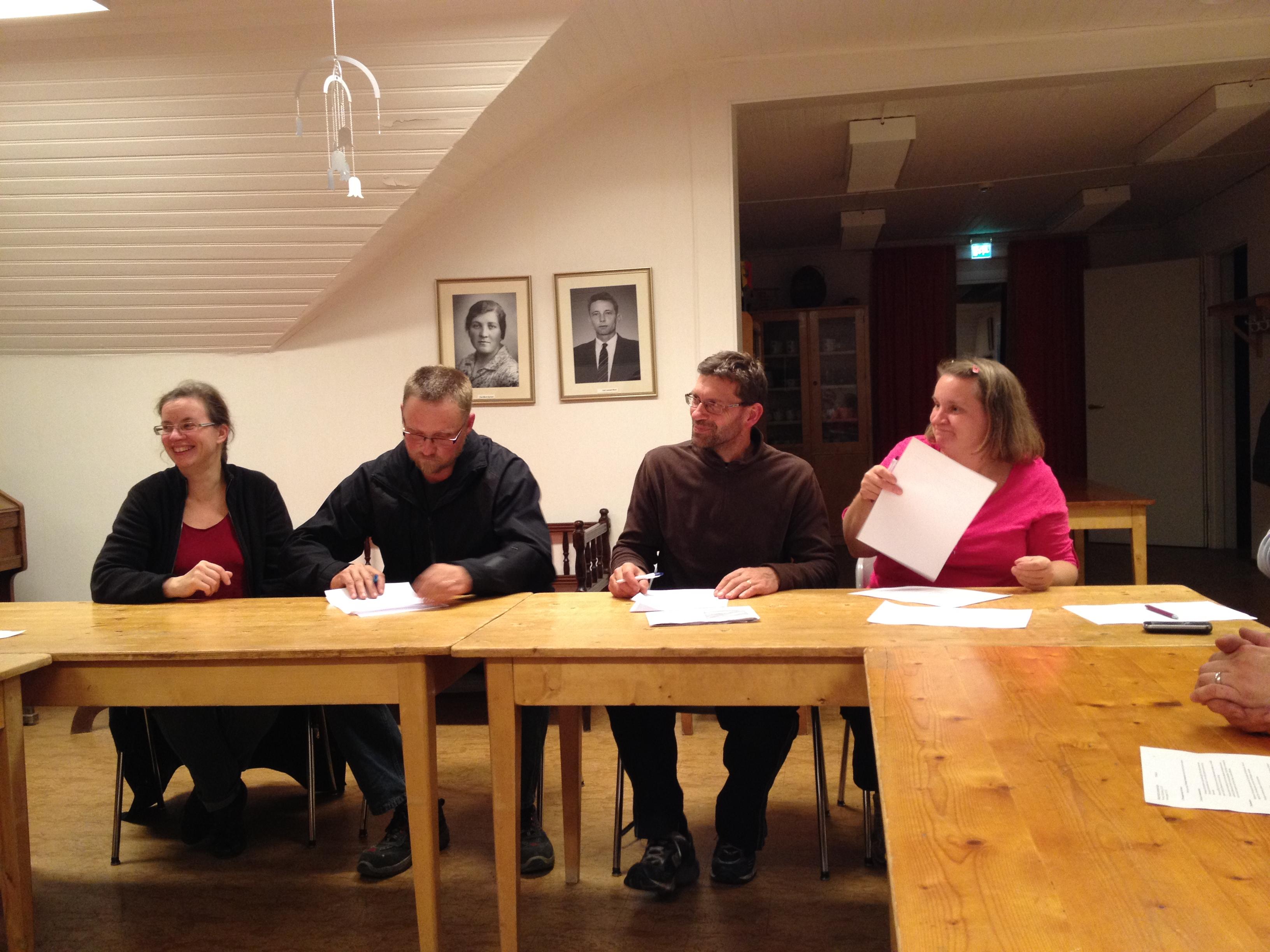 Underskrift av stiftelseurkunden 2