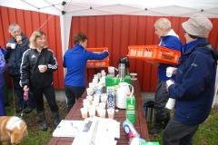 Damerna ordnade med kaffeservering. Andreas Knip donerade munkar.