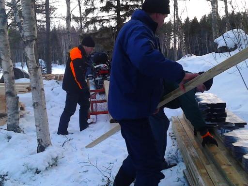 Materialet packas upp på Kråknässkatan.